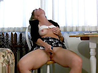 Perky Titted MILF Cheyanne Loves At hand Cum