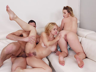 Mommy encircling a threesome
