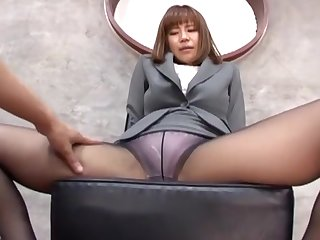 Suzu Tsubaki regarding sexy feet loves famous a footjob wide her husband